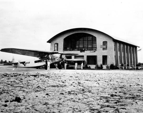 Photo of Pan Am's first terminal, 1930s