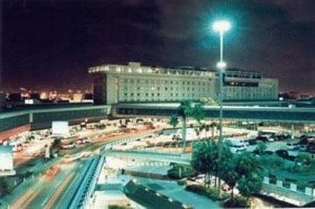 Photo of the Miami International Airport Hotel building